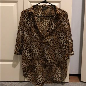 High low leopard print top size small